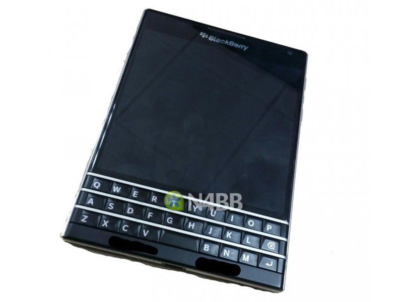 BlackBerry Windermere Passport leak
