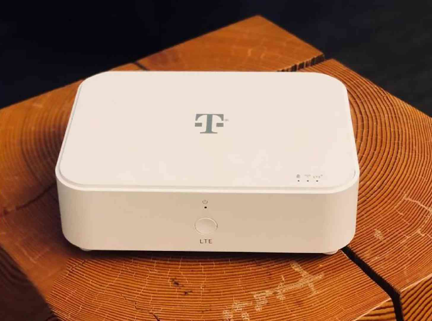 T-Mobile 4G LTE home internet router