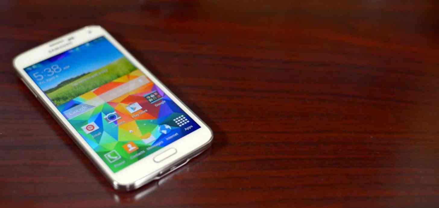 Samsung Galaxy S5 white front