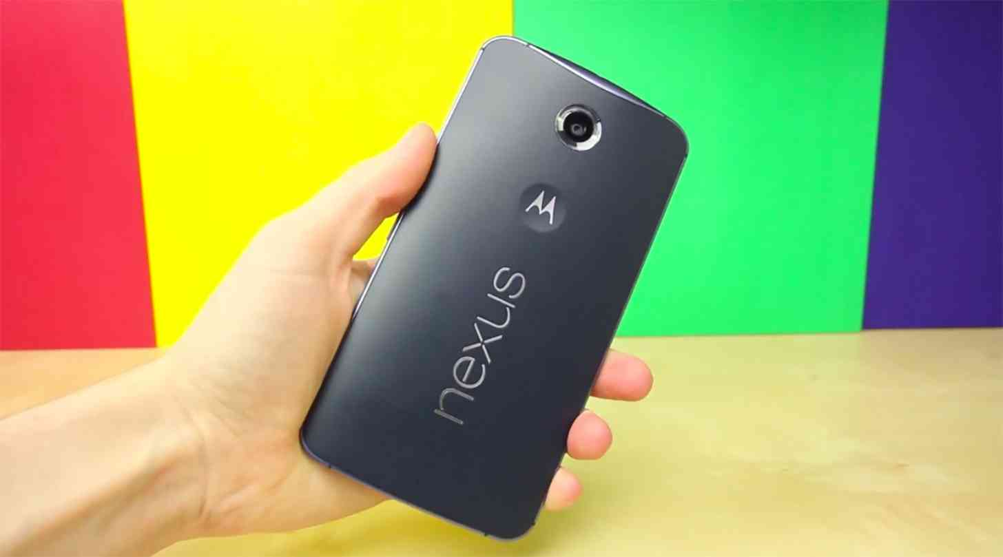 Nexus 6 Midnight Blue rear hands on