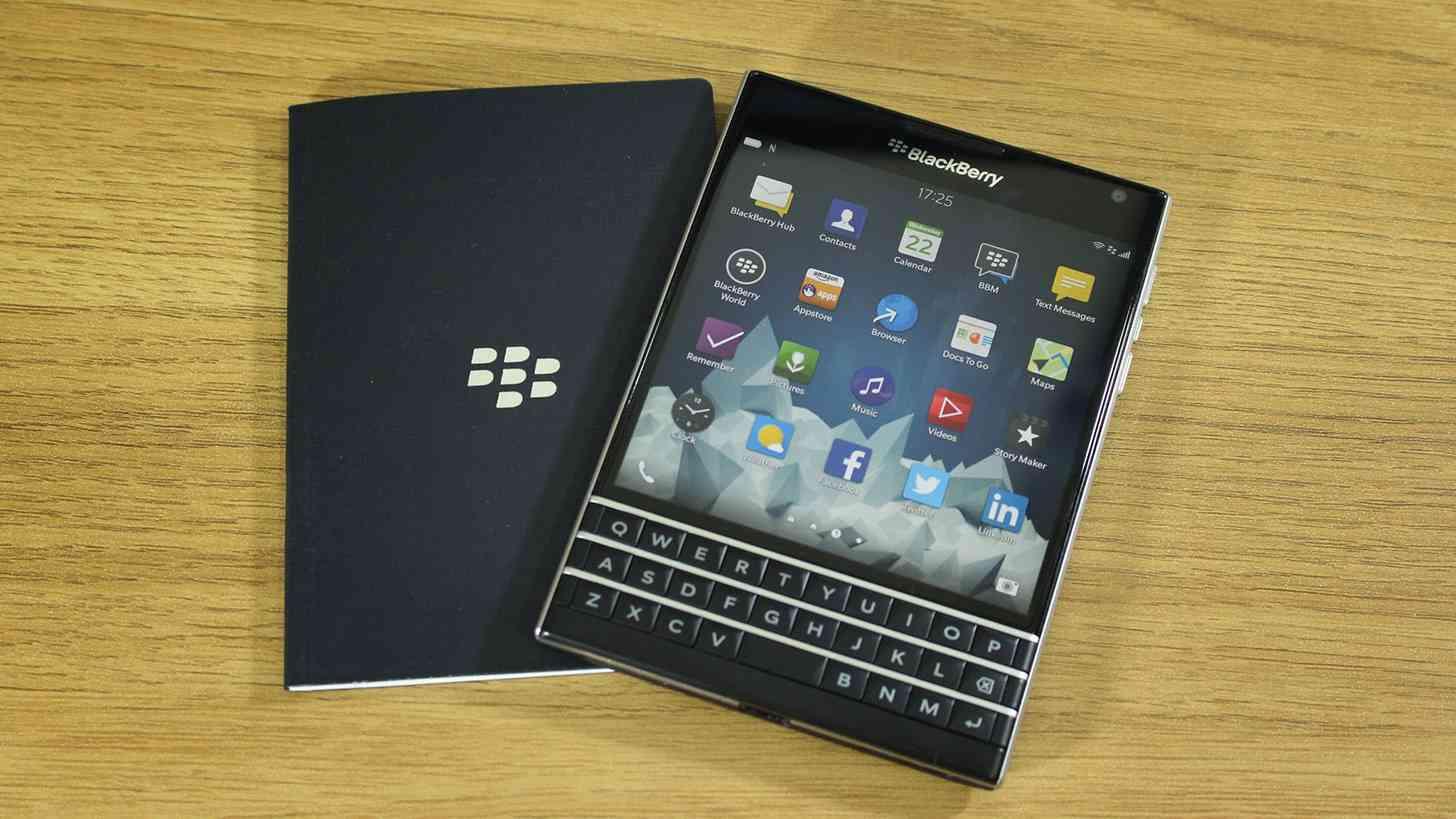 BlackBerry Passport hands on