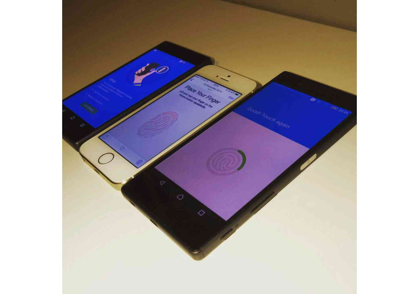 Sony Xperia Z5, Z5 Compact fingerprint reader large