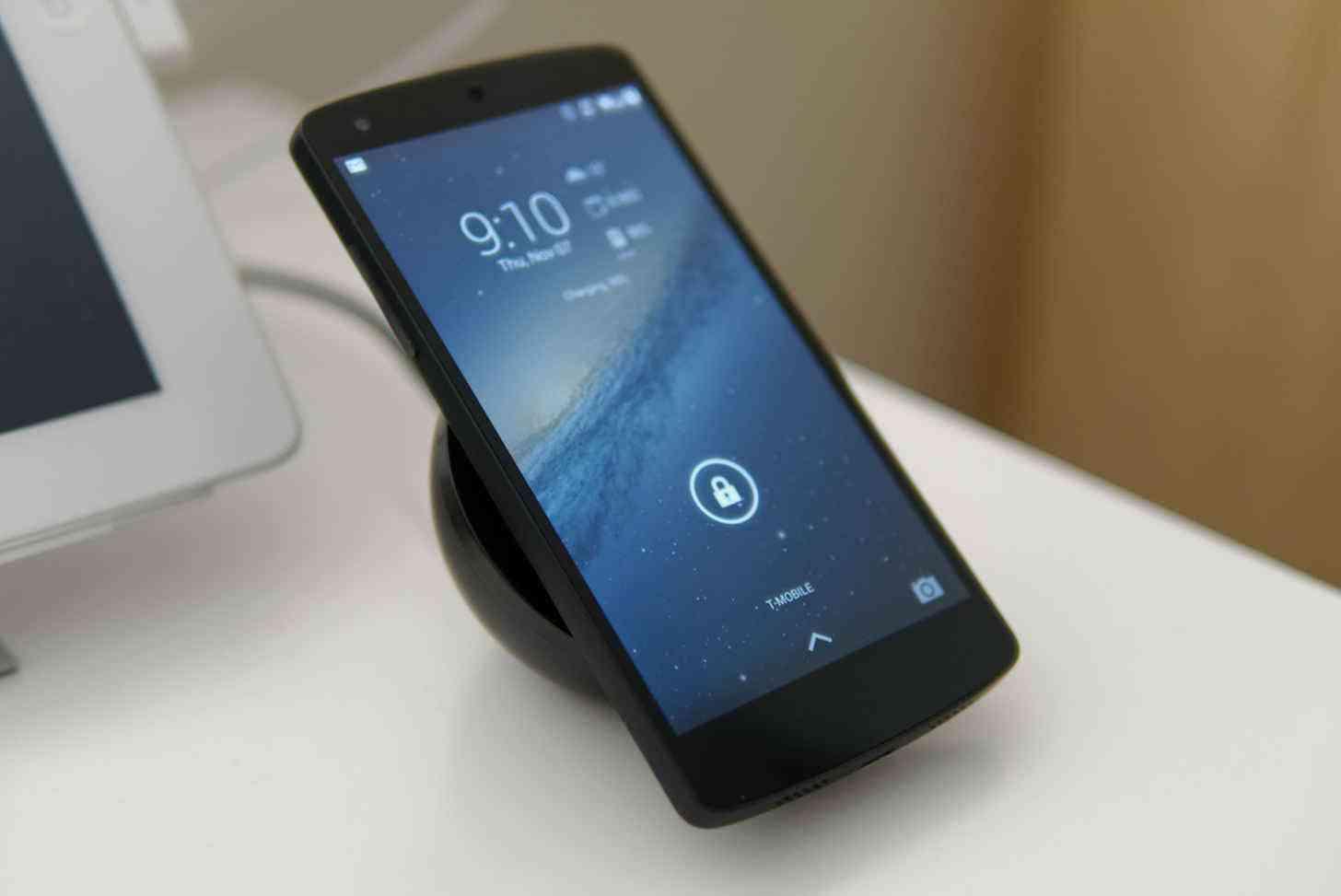 Google Nexus 5 wireless charging