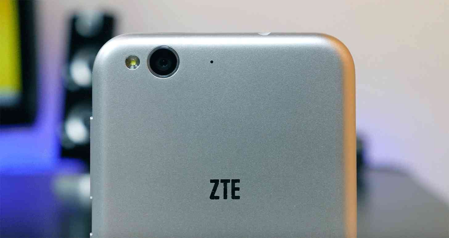 ZTE Blade S6 rear