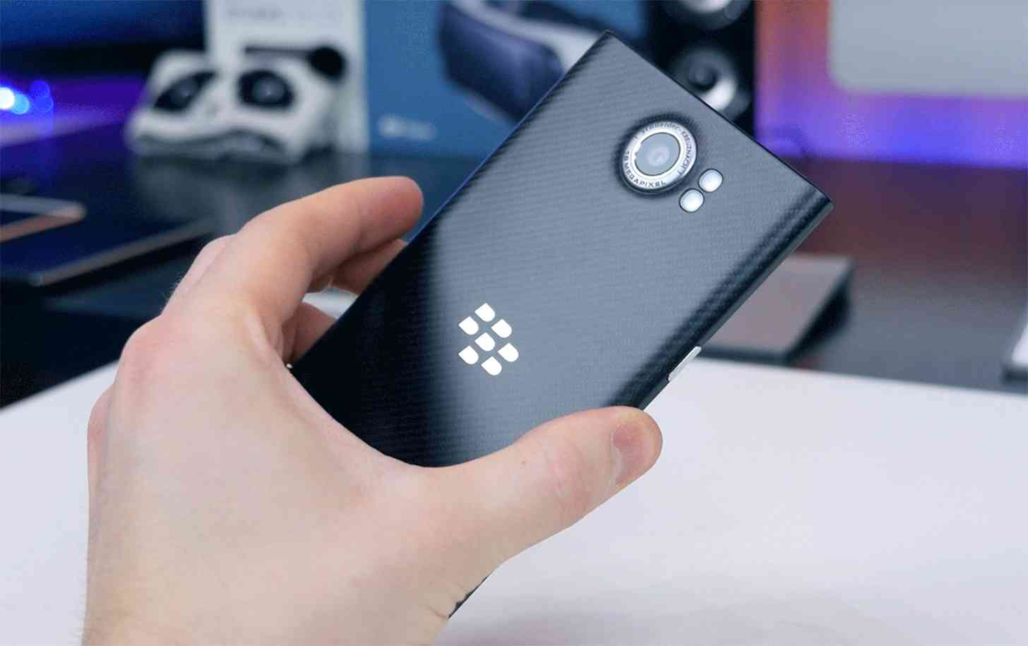 Phone Upcoming Android Phones Verizon leak details three upcoming blackberry android phones including priv rear