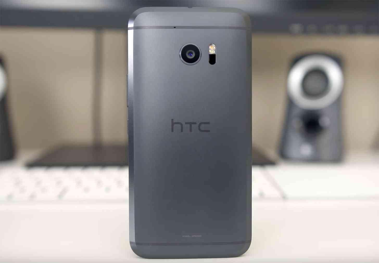 HTC 10 rear hands-on