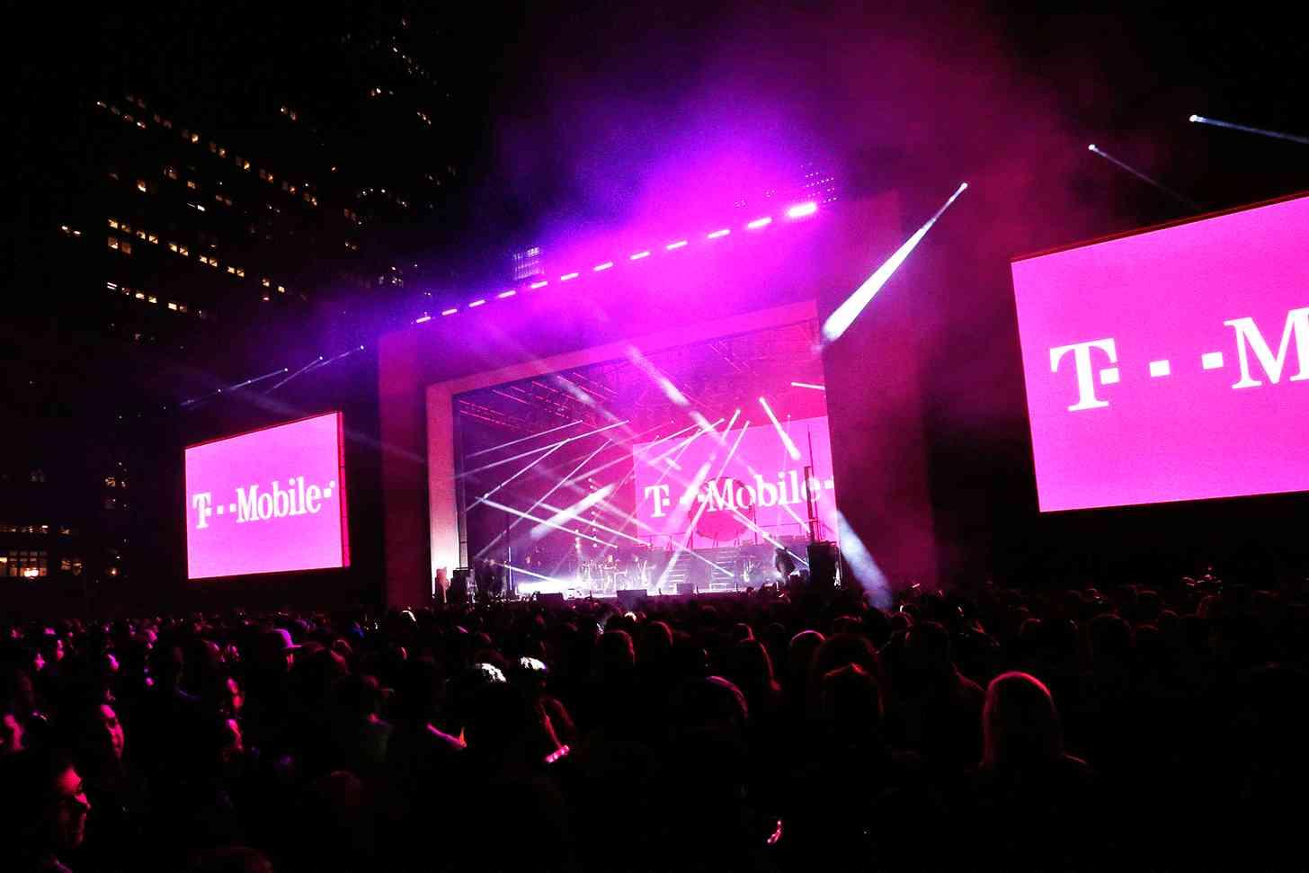 T-Mobile Un-carrier 3 event