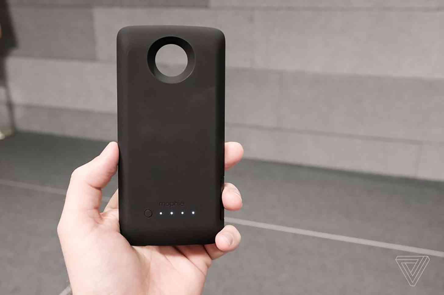 timeless design b800b d7ad1 Motorola intros Mophie Juice Pack, Incipio Car Dock Moto Mods | PhoneDog