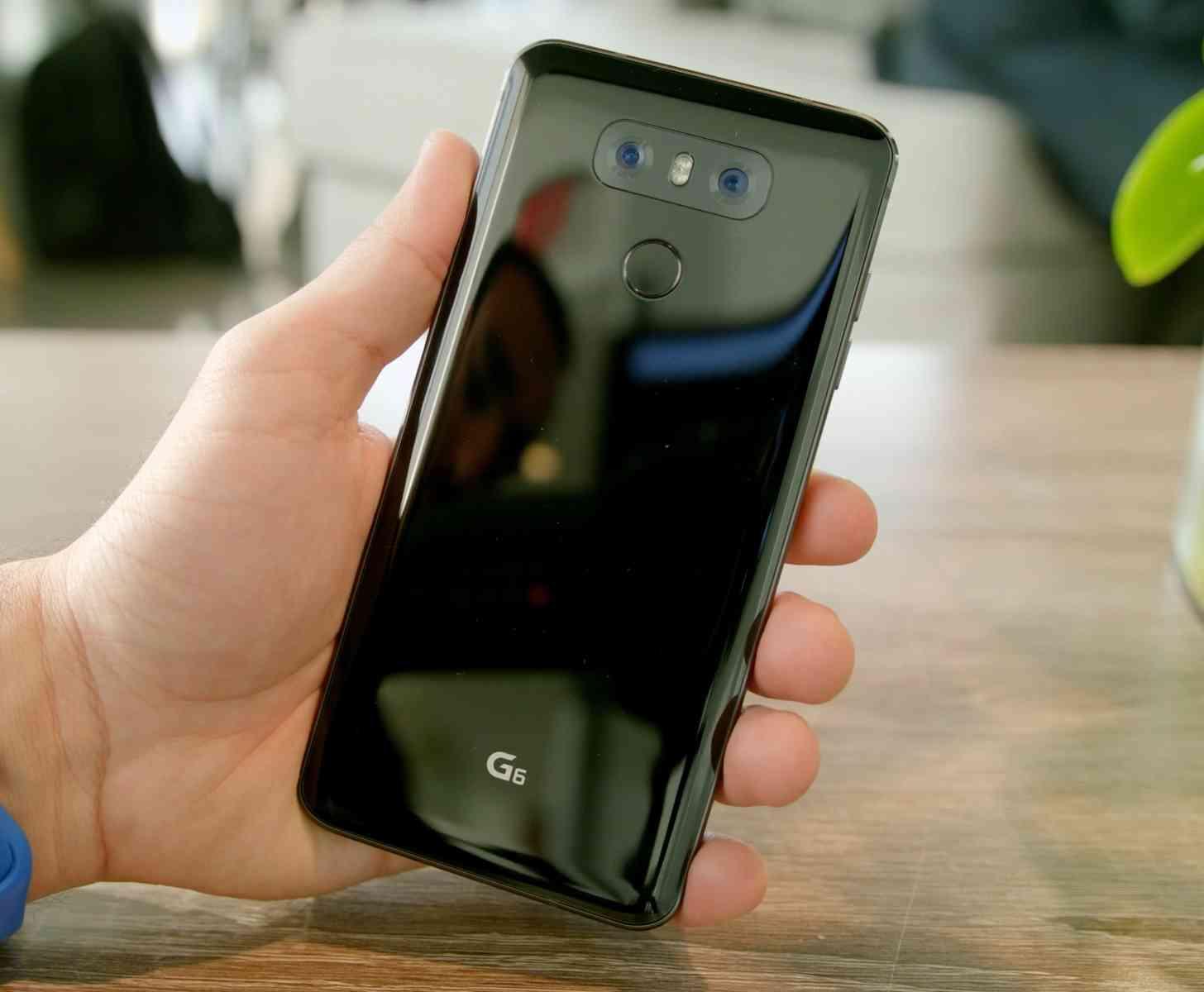 LG G6 rear hands-on