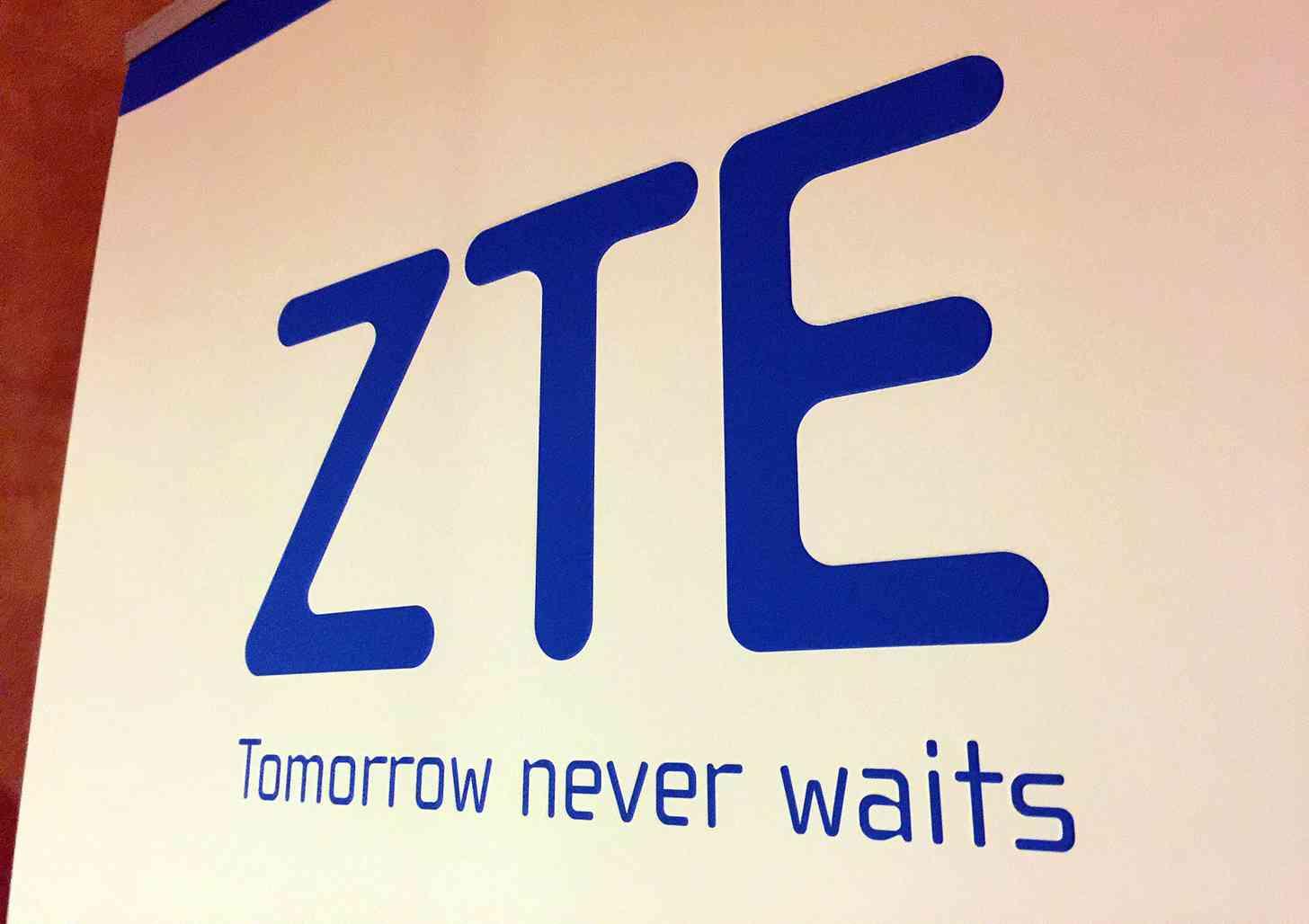 ZTE logo CES 2015
