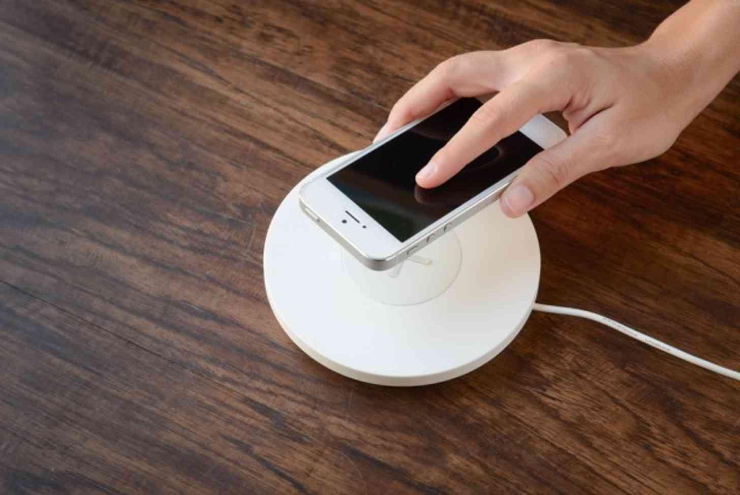 Apple iPhone wireless charging