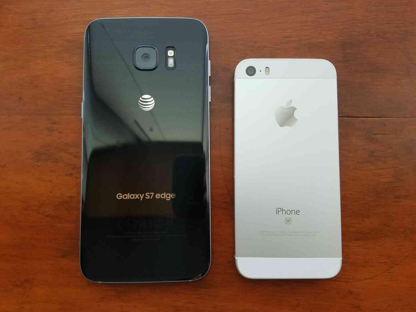 Samsung Galaxy S7 Edge and Apple iPhone SE