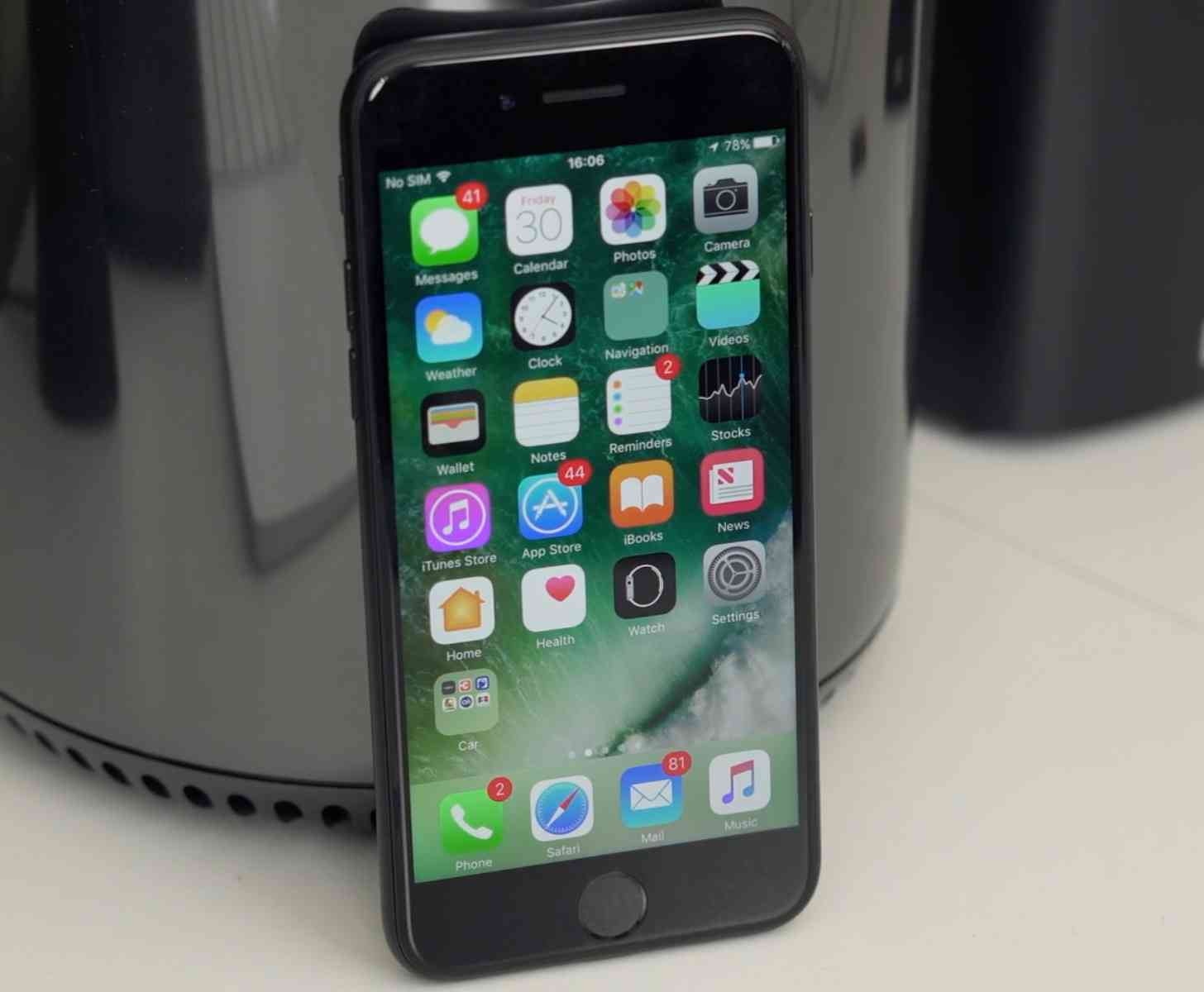 iPhone 7 hands-on video