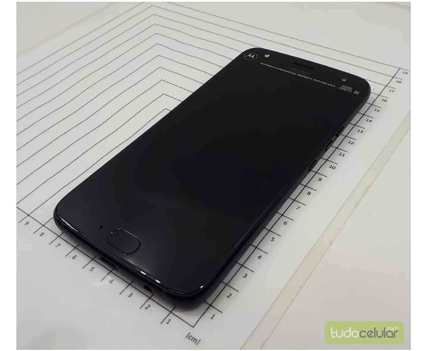 Moto X4 photos leak front