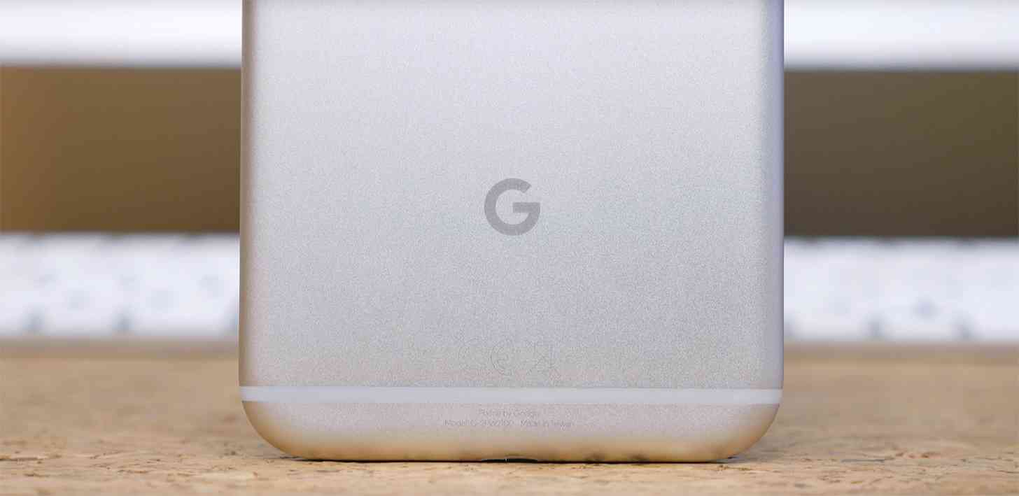 Google logo Pixel rear