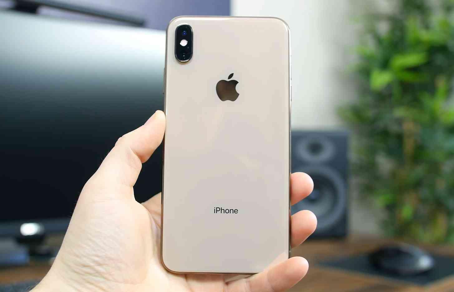iPhone XS Max rear