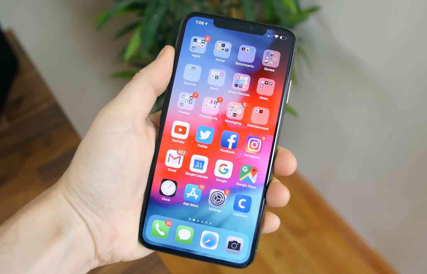 iPhone XS Max iOS 13