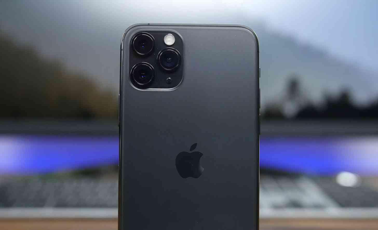 Apple logo iPhone 11 Pro