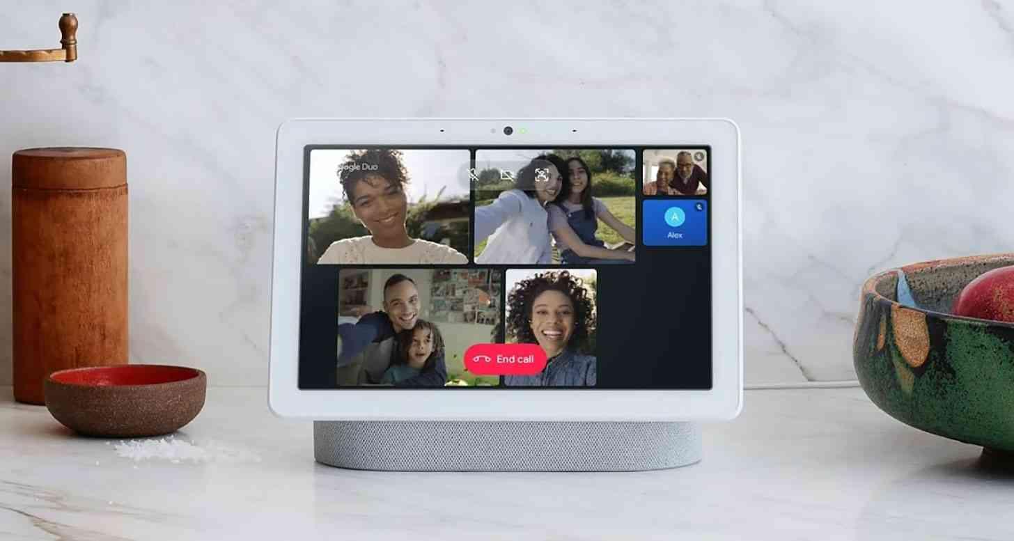Google Duo smart display group video call