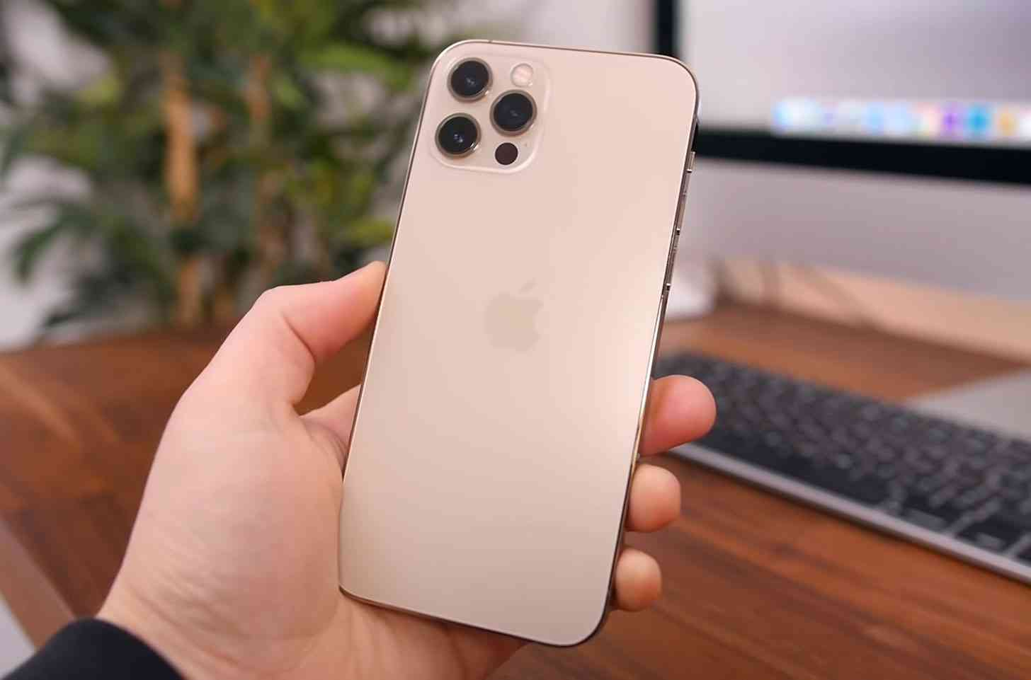 iPhone 12 Pro unboxing