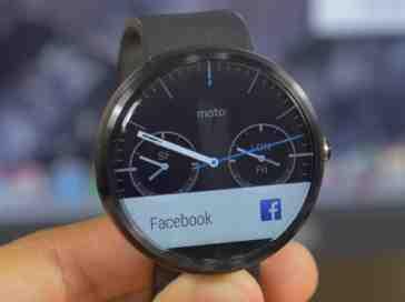 Motorola Moto 360 watch face close