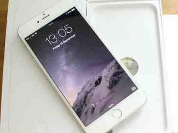 iPhone 6 Plus unboxing close